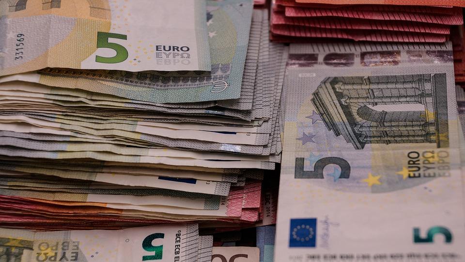 bankovky pětieura