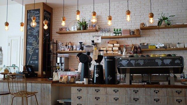 kuchyně s kávovary